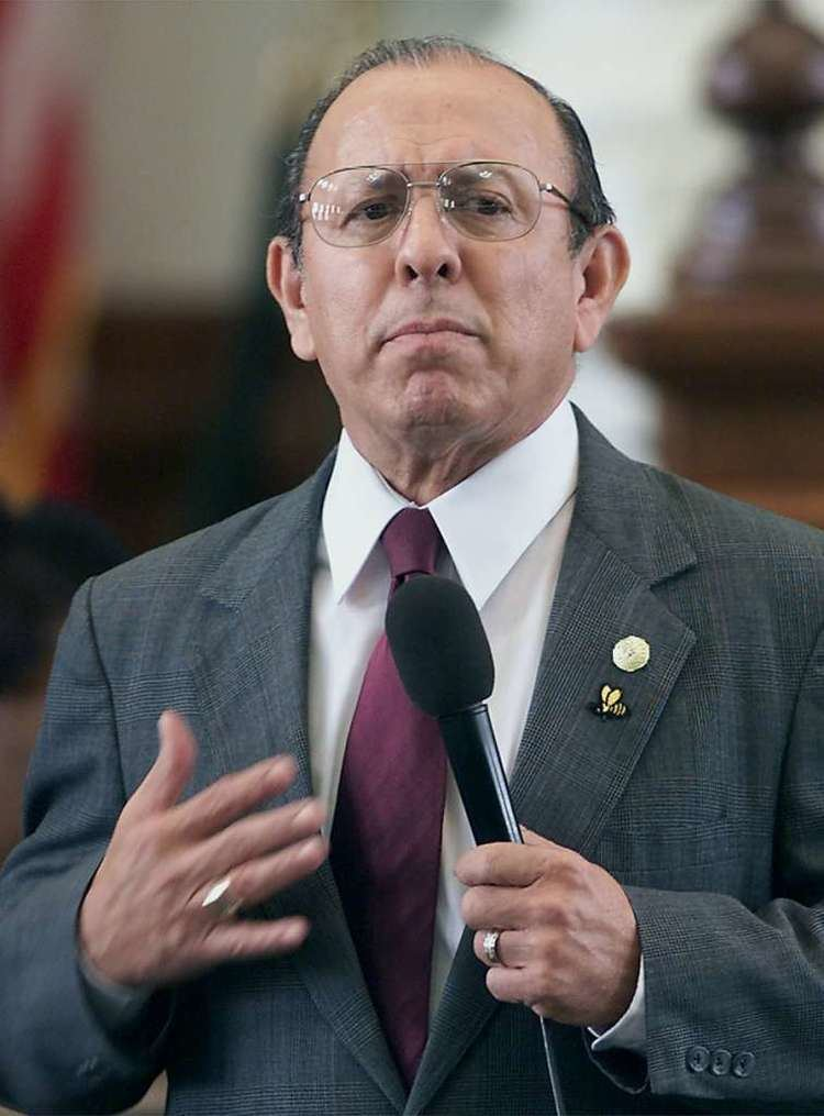 Carlos Truan Longtime state Sen Carlos Truan dies San Antonio ExpressNews