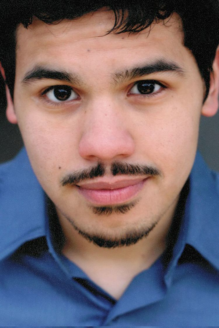 Carlos Valdes (actor) CWs Flash Adds Broadway Player in SuperSmart Role Hollywood