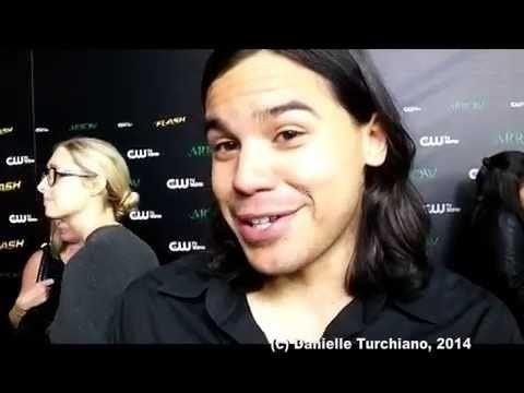 Carlos Valdes (actor) Carlos Valdes talks The FlashArrow crossover YouTube