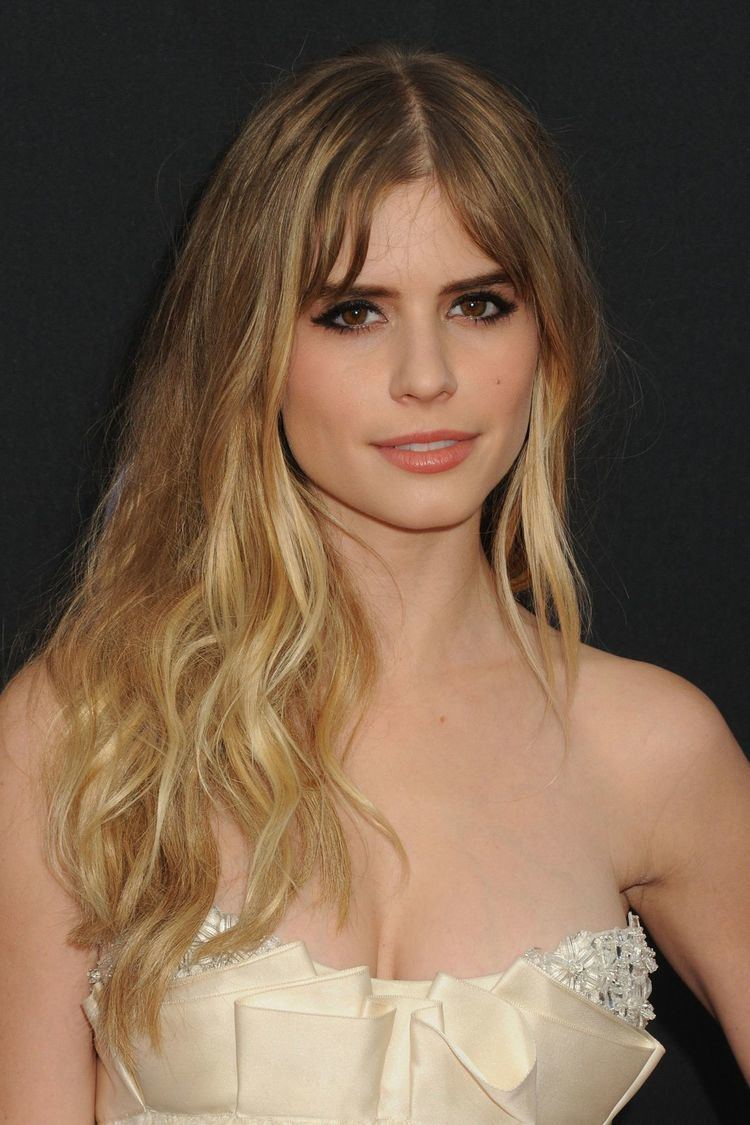 Carlson Young Carlson Young Archives HawtCelebs HawtCelebs