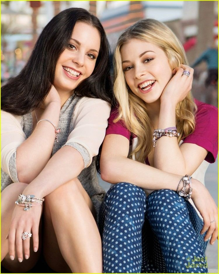 Carly Gold Gracie Gold amp Twin Carly Show Off Sisterhood in New 39Pandora39 Ads