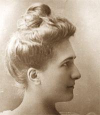 Carmela Mackenna httpsuploadwikimediaorgwikipediacommonsff