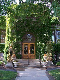 Carnegie Free Library (Sturgeon Bay, Wisconsin) httpsuploadwikimediaorgwikipediacommonsthu
