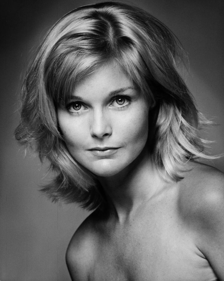 Carol Lynley FileCarol Lynley 1972jpg Wikipedia the free
