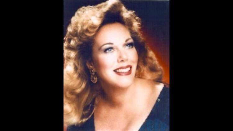 Carol Neblett Carol Neblett sings Quando m39en vo from La Boheme YouTube