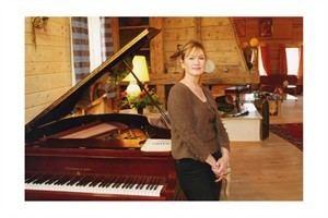 Caroline Haffner Caroline Haffner Piano InstantEncore