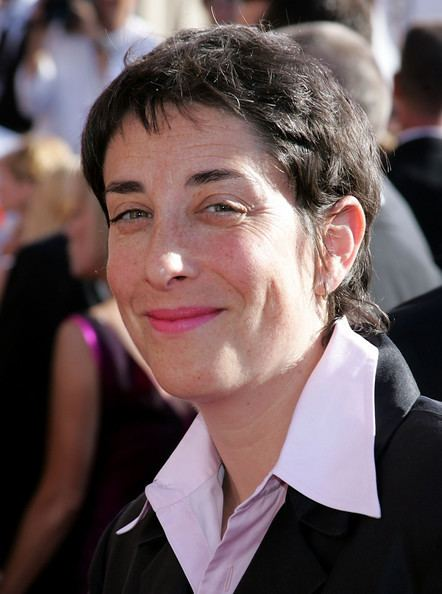 Carolyn Strauss Carolyn Strauss Photos 2004 Primetime Emmy Awards