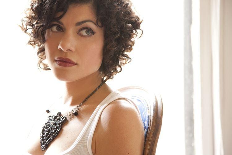 Carrie Rodriguez entertainmentrealmfileswordpresscom201106car