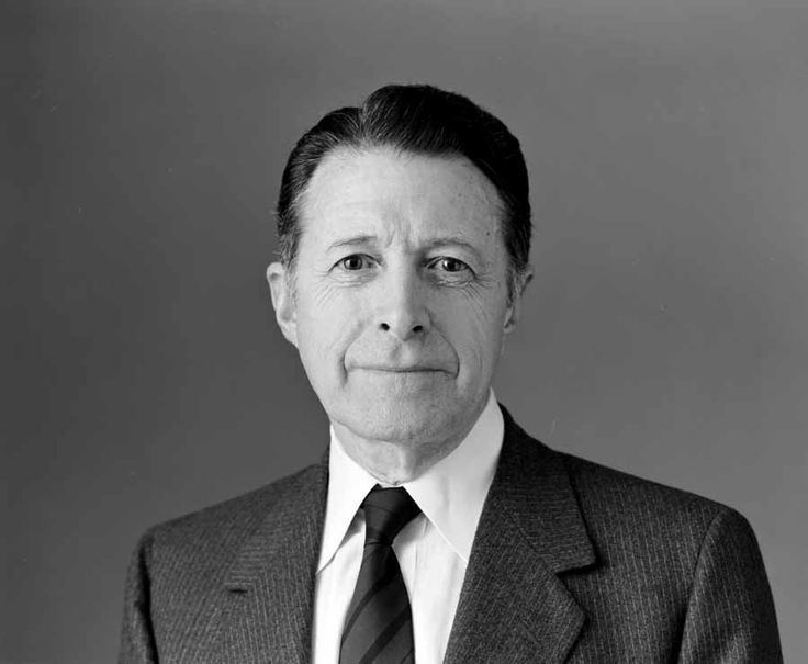 Caspar Weinberger Caspar Weinberger SecDef for Reagan Known for his key