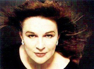 Catherine Bott Catherine Bott Soprano Short Biography