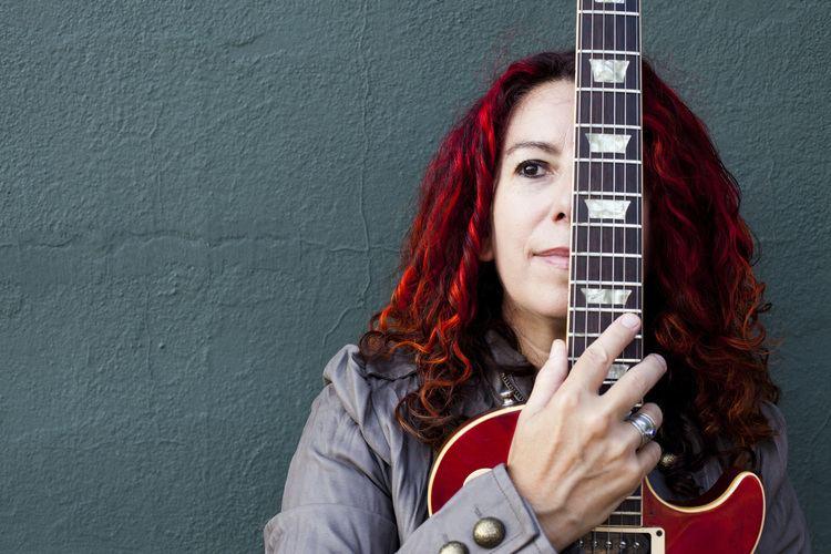 Catherine Capozzi Catherine Capozzi guitar composer producer