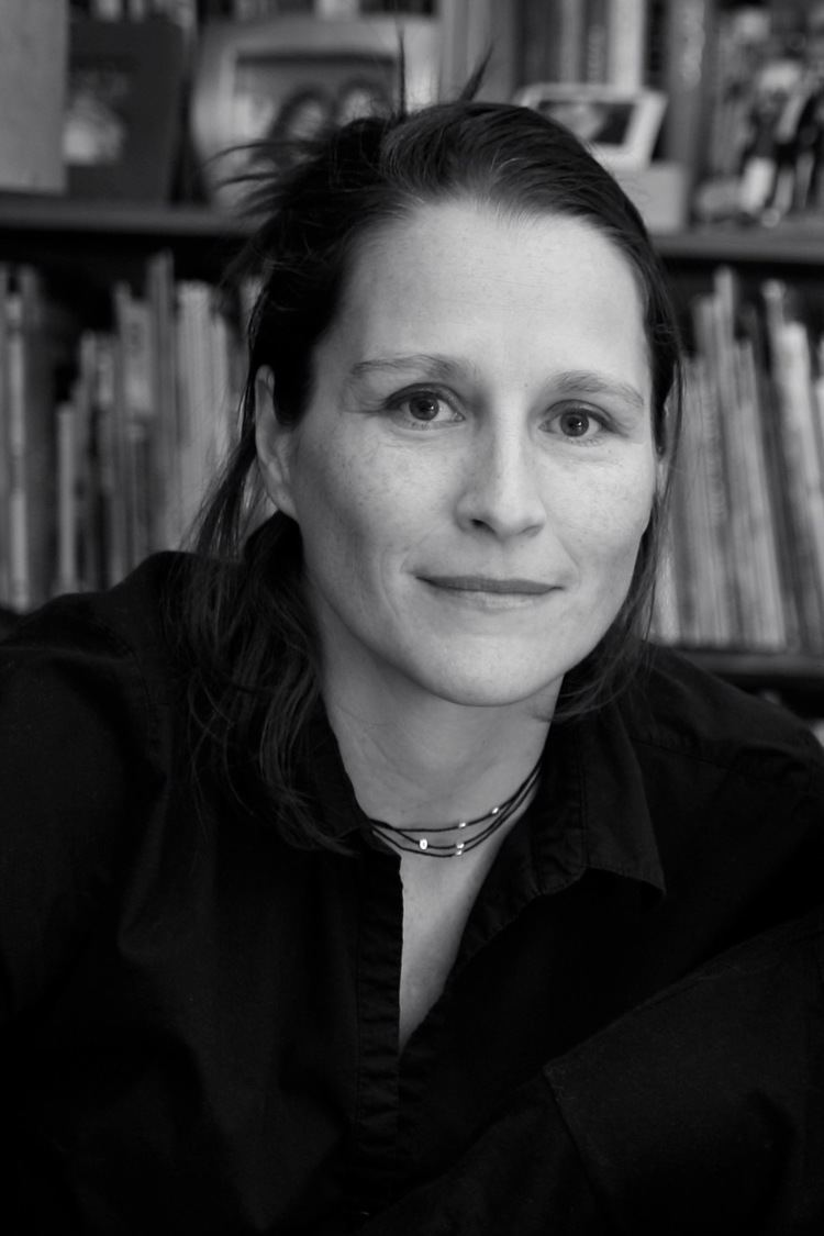 Catherine Gund The Filmmakers BORN TO FLY Elizabeth Streb vs Gravity