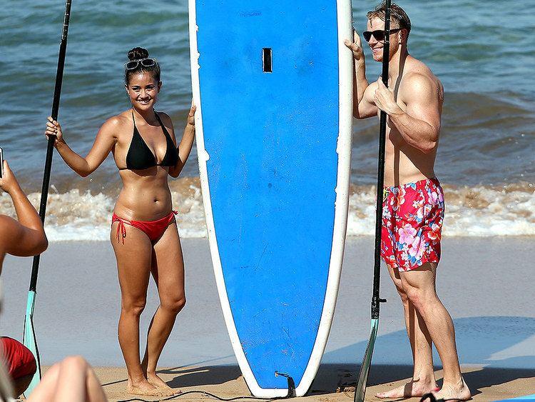 Catherine Lowe Sean and Catherine Lowe Show Off Beach Bodies in Hawaii