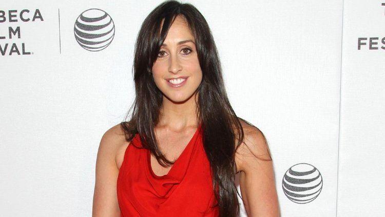 Catherine Reitman Blackish Actress Catherine Reitman Casts RealLife Husband as