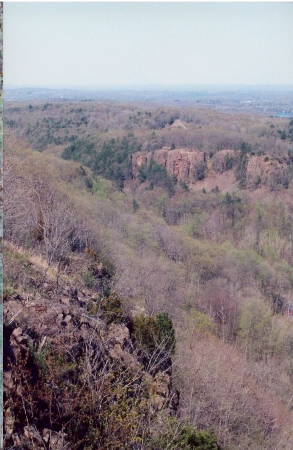 Cathole Mountain httpsuploadwikimediaorgwikipediacommonsaa