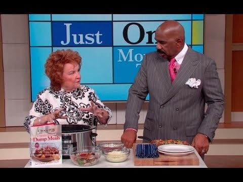 Cathy Mitchell (television personality) Cathy Mitchell Pizza in a crockpot STEVE HARVEY YouTube