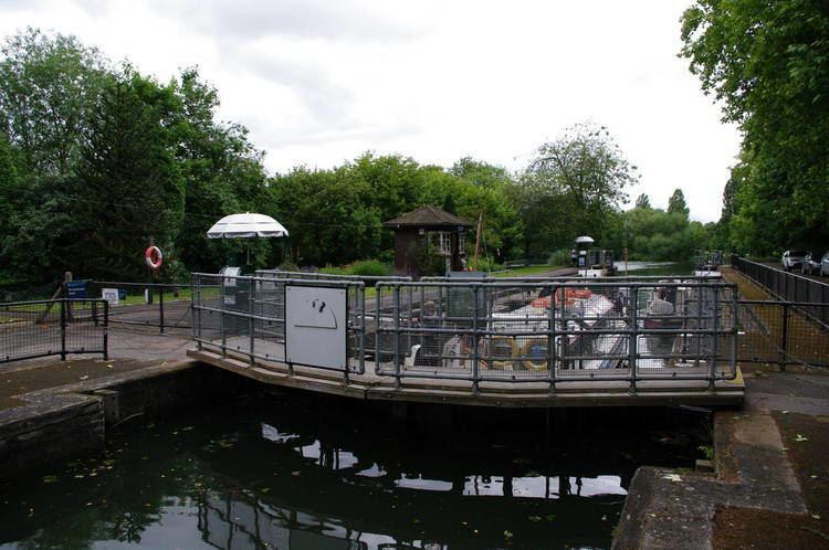 Caversham Lock Thames Path National Trail Stage 7