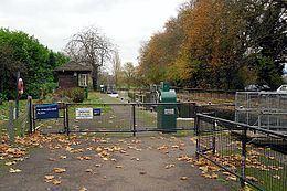 Caversham Lock httpsuploadwikimediaorgwikipediacommonsthu