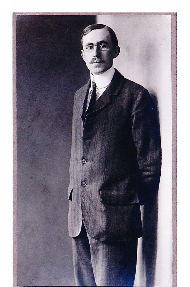 Cecil Chisholm