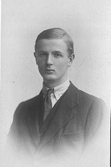 Cecil Harmsworth King httpsuploadwikimediaorgwikipediacommonsthu