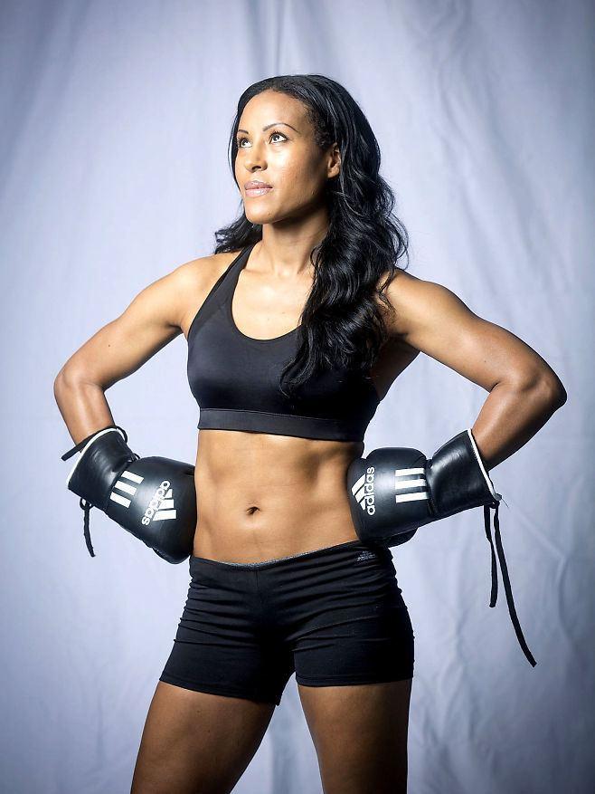 Cecilia Brækhus World39s best female boxer Cecilia Brkhus calls out Cyborg Sherdog