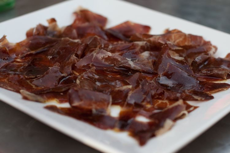 Cecina (meat) Cecina de Leon Mouthwatering Cured Smoked Beef from Spain Catavino