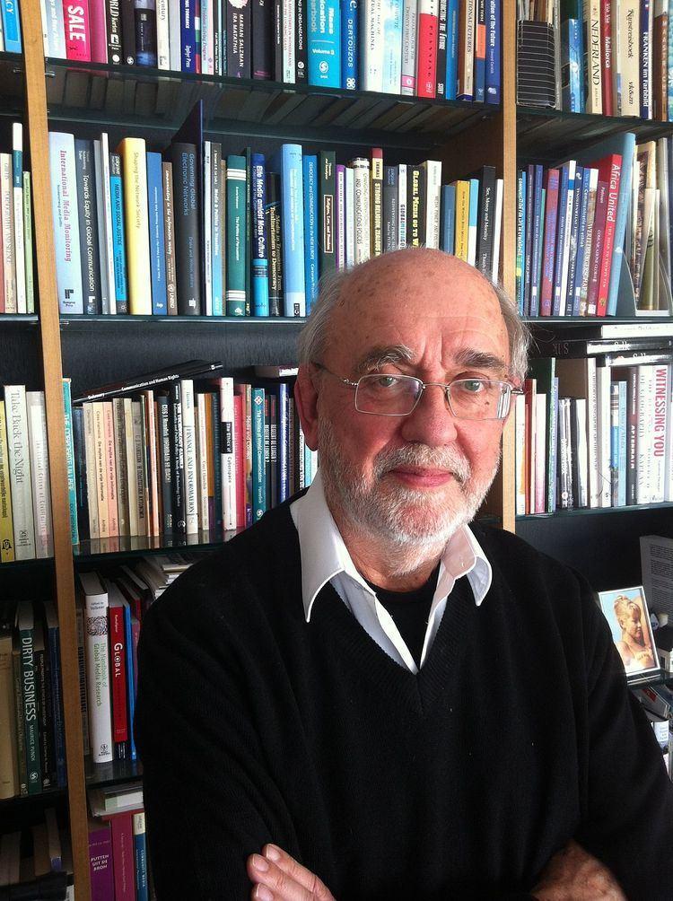 Cees Hamelink httpsuploadwikimediaorgwikipediacommonsthu