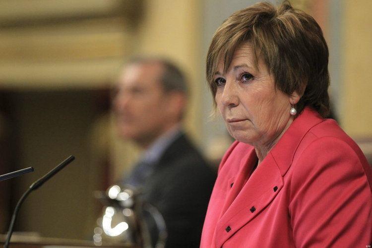 Celia Villalobos El PP sanciona a Celia Villalobos por levantarse y no