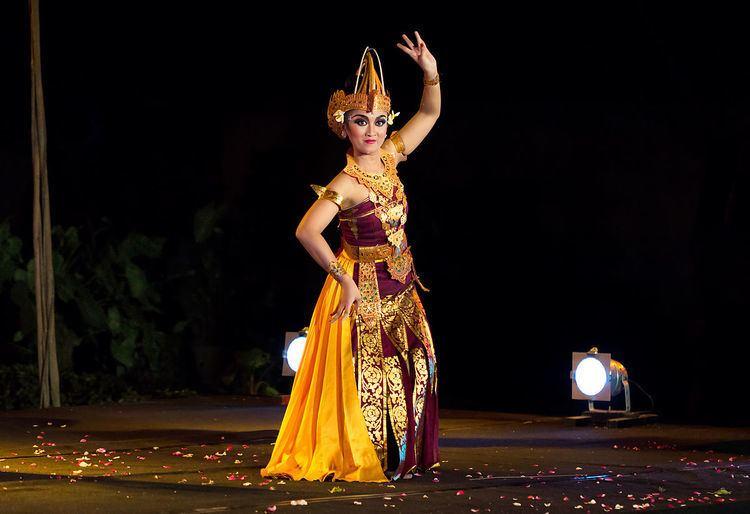 Cendrawasih (dance)