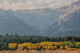 Centennial Mountains httpsuploadwikimediaorgwikipediacommonsthu