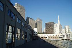 Central Embarcadero Piers Historic District httpsuploadwikimediaorgwikipediacommonsthu