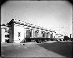 Central Station, Los Angeles httpsuploadwikimediaorgwikipediacommonsthu