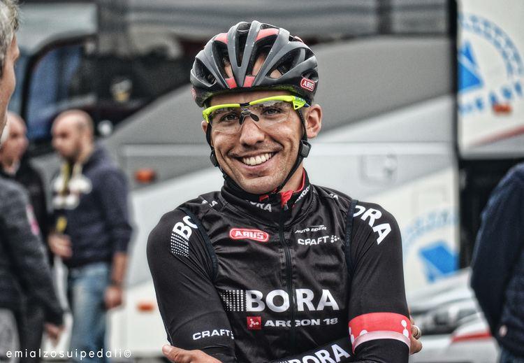 Cesare Benedetti (cyclist) 50 domande a Cesare Benedetti E mi alzo sui pedali