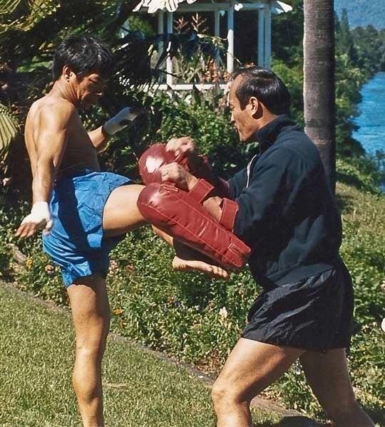 Chai Sirisute Ajarn Chai Sirisute amp Guro Dan Inosanto Muay Thai