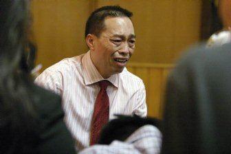 Chai Vang Man accused in hunters deaths testifies he fired in selfdefense