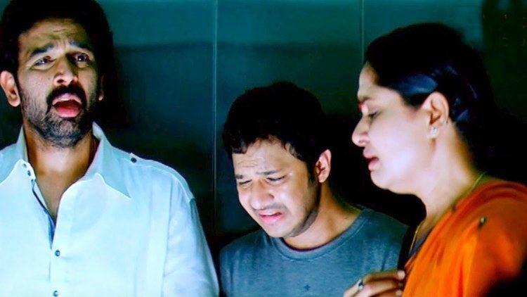 Chakravarthy (1995 film) movie scenes All The Best Telugu Movie Scenes Chandu Cheating His Family J D Chakravarthy