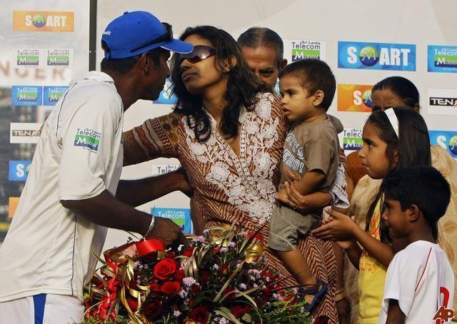 Chaminda Vaas (Cricketer) family