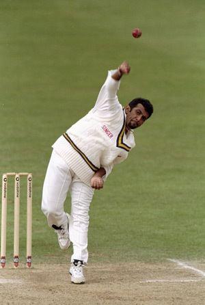 Chandika Hathurusingha Sri Lankan allrounder whose international