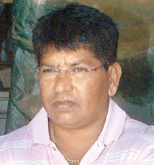 Chandrakant Pandit (Cricketer) family