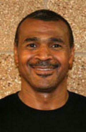 Charles Bradley (basketball) 3bpblogspotcomzZZYiKNLLJsTieaXnNiXqIAAAAAAA