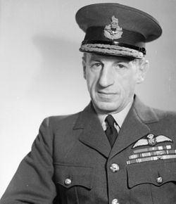 Charles Portal, 1st Viscount Portal of Hungerford httpsuploadwikimediaorgwikipediacommonsthu