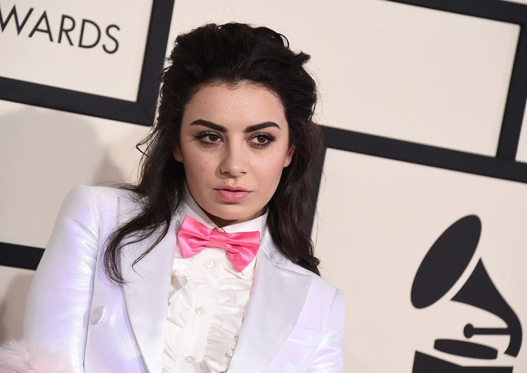 Charli XCX Charli XCX Sheds Light On Feminism In The Music Industry
