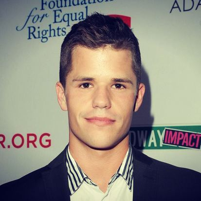 Charlie Carver Official Charlie and Max Carver Fanblog