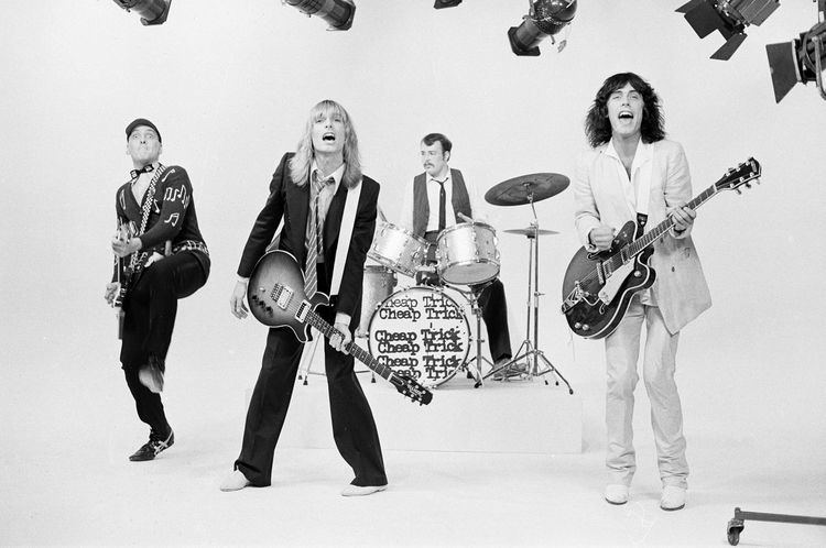 Cheap Trick Hello There 25 Great Cheap Trick Songs Goldmine Magazine