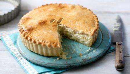 Cheese and onion pie ichefbbcicoukfoodicfood16x9448recipesche