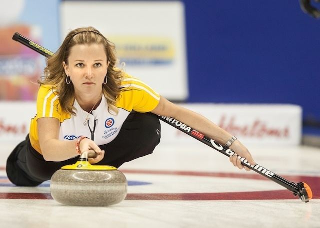 Chelsea Carey Carey steals a win in Draw 6 at the Scotties 2014