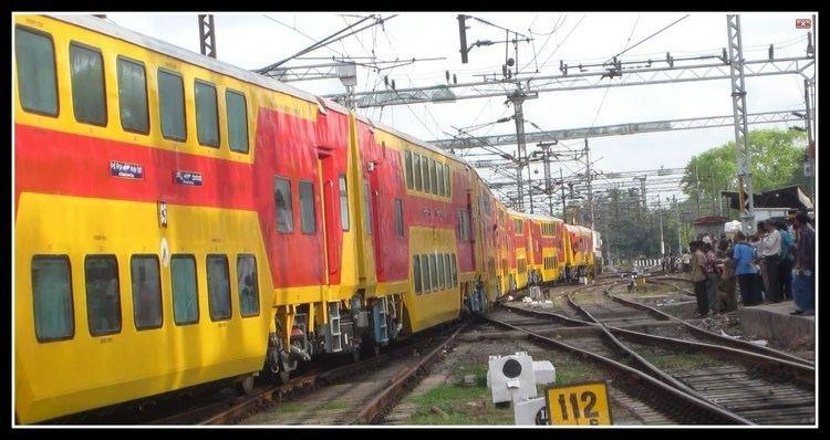 Chennai - Bangalore Double Decker Express Inaugural 22625 Chennai Bangalore AC Double Decker Departs Chennai