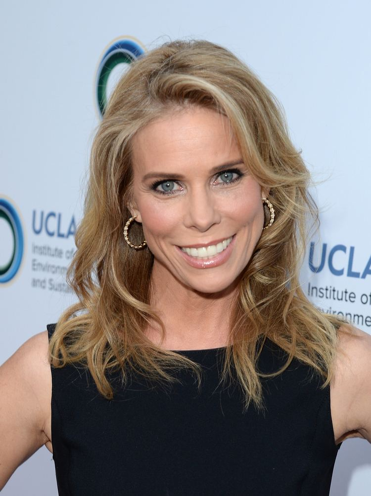 Cheryl Hines Cheryl Hines Offers Miley Cyrus Advice on Dating a Kennedy