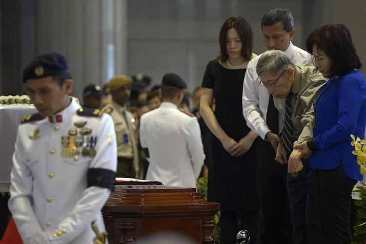 Chiam See Tong Opposition politician Chiam See Tong pays last respects to