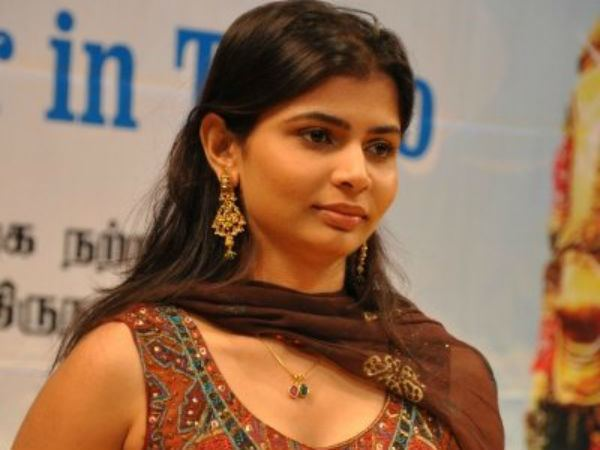Chinmayi Interview Chinmayi Excited To Sing In Bollywood Filmibeat